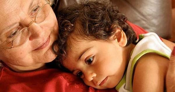 61 साल की नानी ने दिया नातिन को जन्म