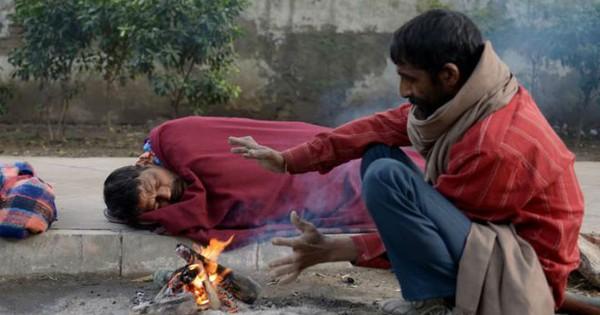 सर्द रातें खुले में बिता रहे दिल्ली के बेघर सरकारी रैन बसेरों में क्यों नहीं रहना चाहते?