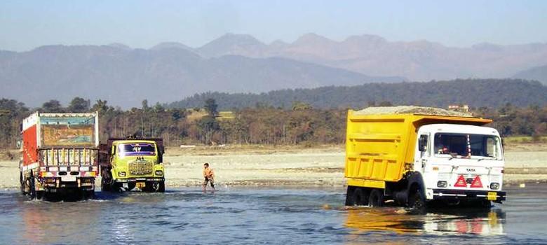 क्यों सरकार को सालाना एक लाख करोड़ और पर्यावरण को होने वाला असीमित नुकसान रोकना असंभव है