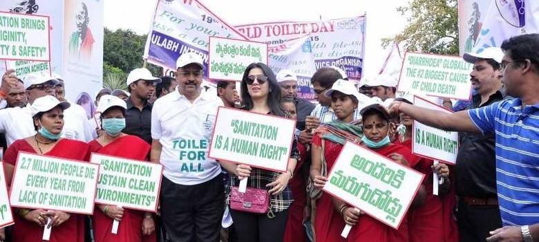 उत्तर प्रदेश में 90 परिवारों ने मुफ्त में बने शौचालय तोड़ वापस खुले में जाना शुरू किया