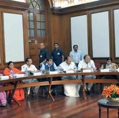 काम न कराने को लेकर नरेंद्र मोदी के 11 मंत्री और सोनिया, राहुल एक साथ