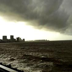 क्या मुंबई को कहीं और बसाने के बारे में सोचने का वक्त आ गया है?